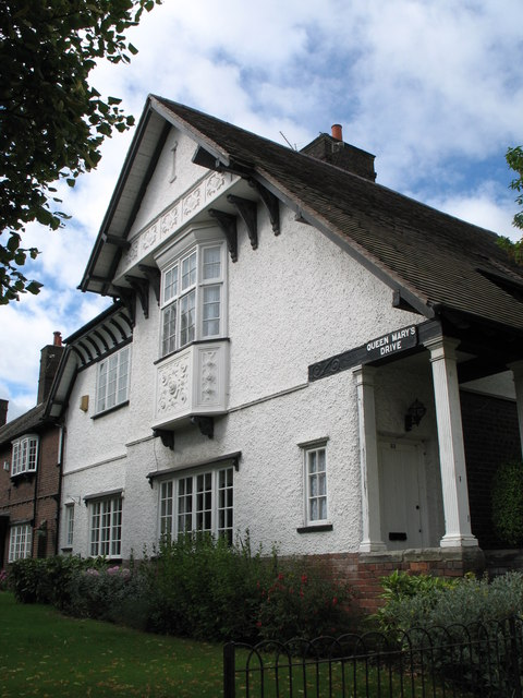 Houses at Port Sunlight (Queen Mary's Drive)