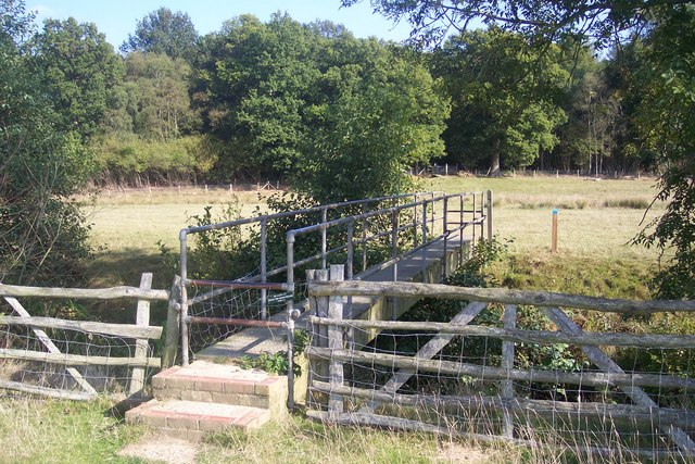 Footbridge near Kilndown Wood