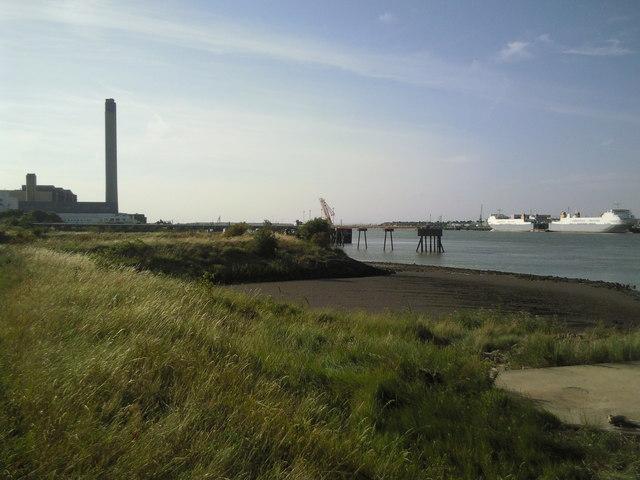 Littlebrook Power Station from near the Queen Elizabeth II Bridge