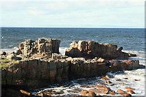 "NJ1570 : The ""Solstice gap"" in Daisy Rock by Des Colhoun"