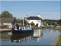 SP9122 : Passing Lock No 28 –  Ellesmere (5) - Heading off south by Chris Reynolds