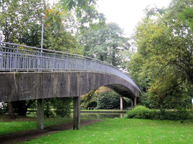 Grand Union Canal: Bridge 140A, Berkhamsted
