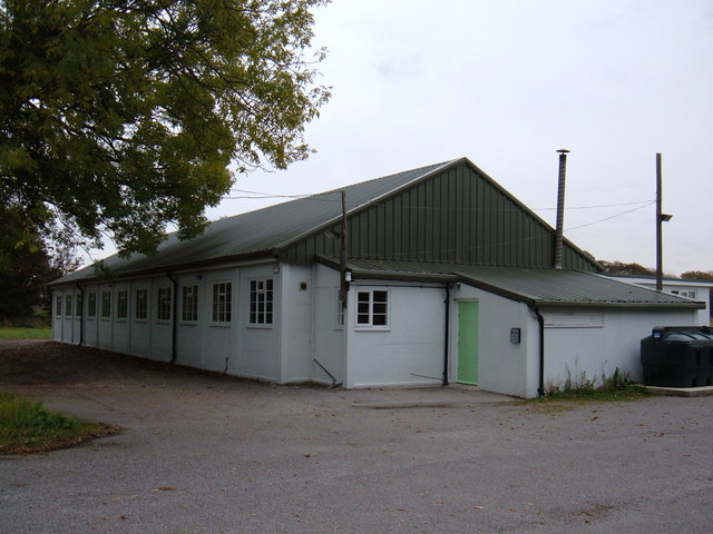 Woodmansey Village Hall © JThomas cc-by-sa/2.0 :: Geograph Britain and  Ireland