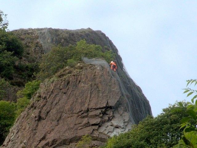 Applying rockfall netting
