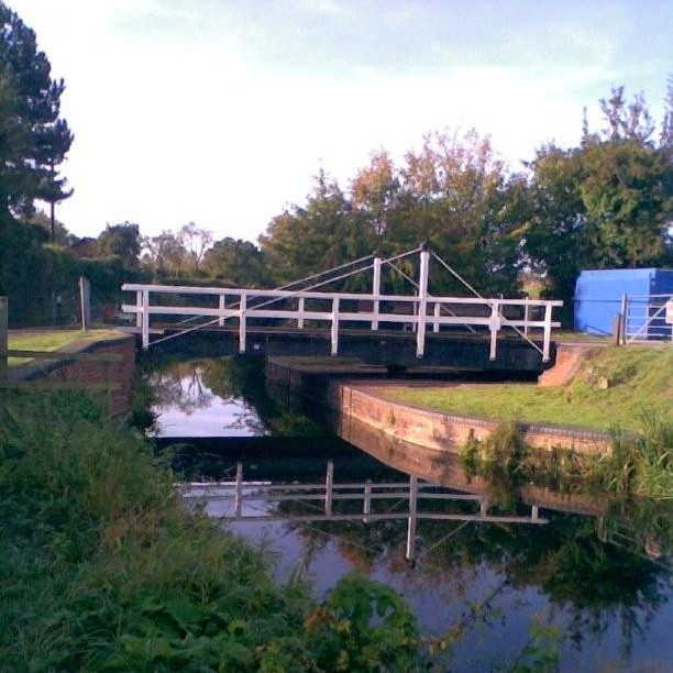 Canal swing bridge Outwood