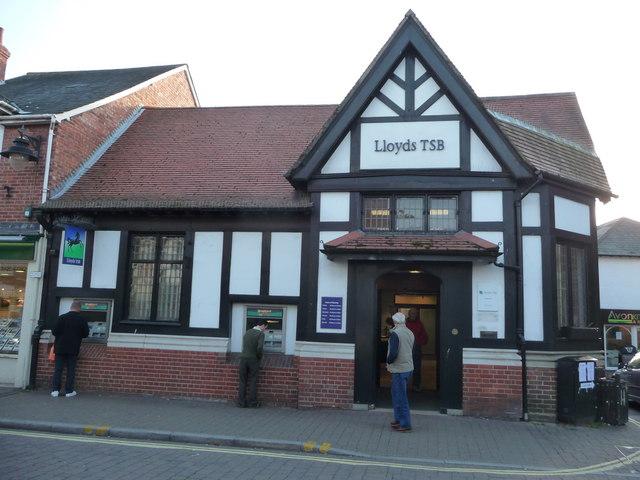 Ringwood : Lloyds TSB