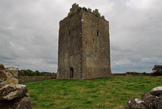 castles of munster  lackeen  tipperary     u00a9 mike searle cc