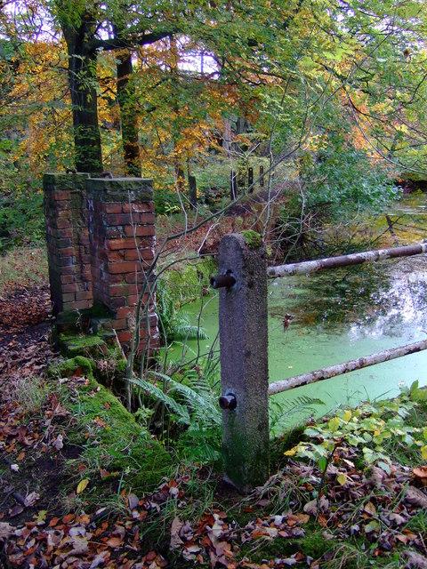 Sluice gate at Clough House mill pond, Slaithwaite