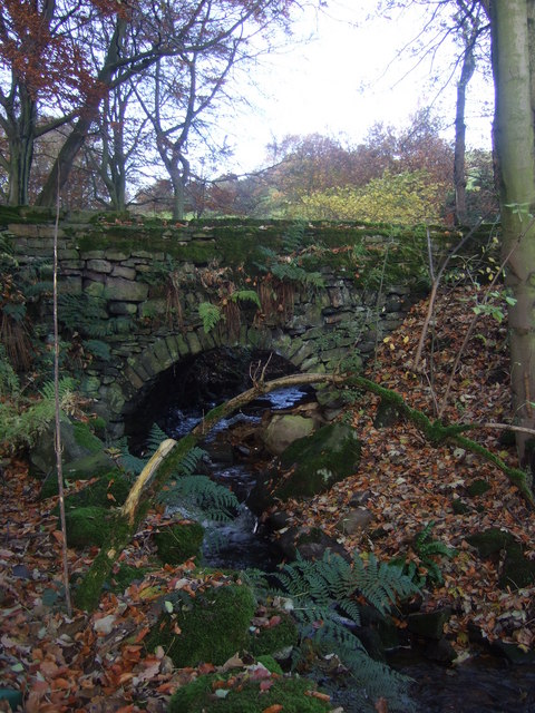 Stone bridge at Clough House, Slaithwaite