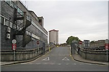 TQ2982 : Exit from upper level, Euston Station, on to Cardington Street by Robin Stott