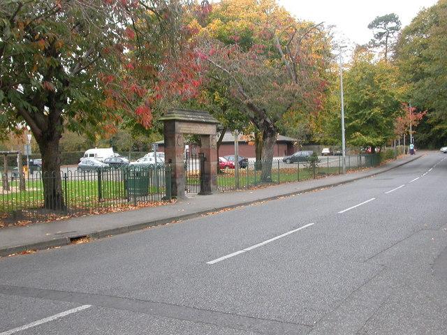 Wilmslow, gate