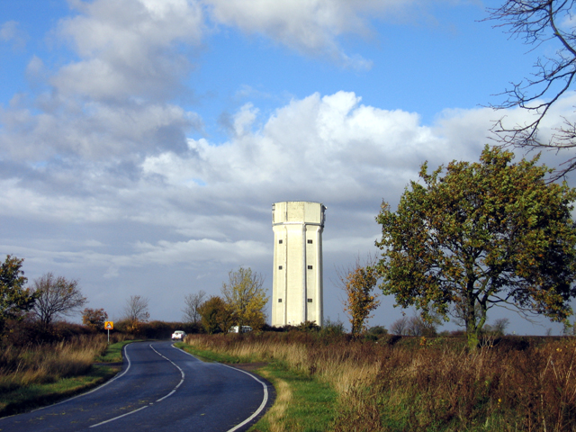 Water tower and Sunderland Hill, Ravensden, Beds