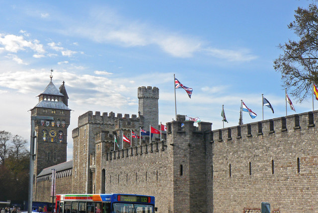 Cardiff Castle With Flags C Mick Lobb Cc By Sa 2 0 Geograph
