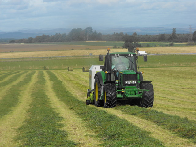 Baling silage on Windyedge