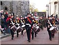 SH4762 : Quick March along Pen Deitsh - Drum Major and Corps of Drums heading the Remembrance Day Parade by Eric Jones
