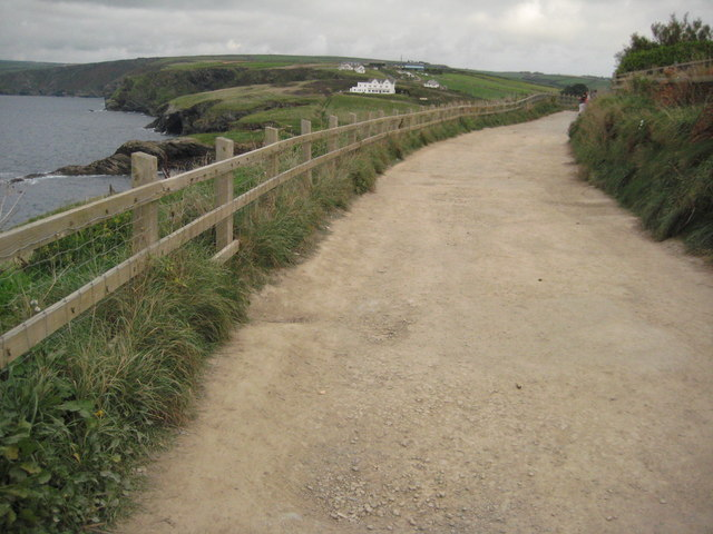Coast path between Port Isaac and Port Gaverne