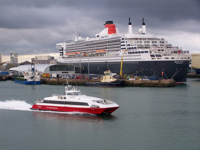 New Ocean Terminal with Queen Mary 2