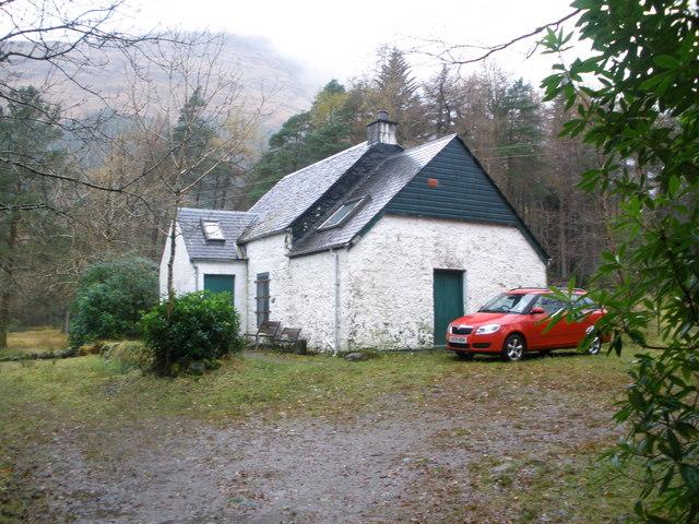 Inbhir-fhaolain cottage