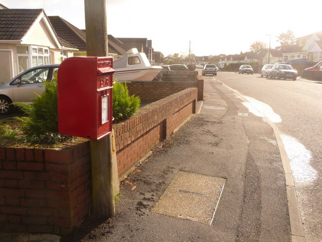 Hamworthy: postbox № BH15 249, Woodlands Avenue