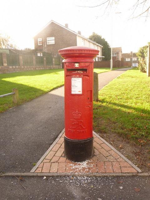 Hamworthy: postbox № BH16 321, Egmont Road
