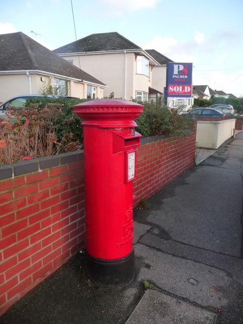 Upton: postbox № BH16 260, Sandy Lane