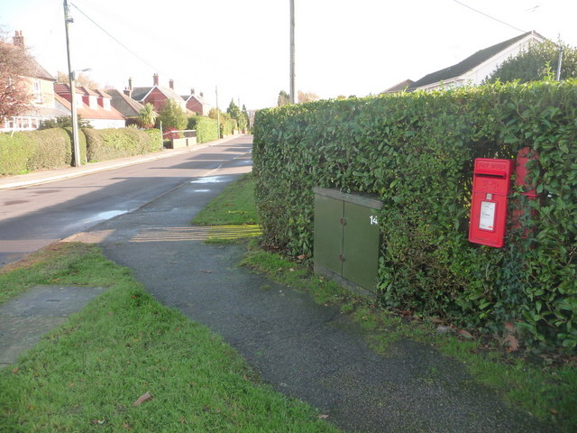 Upton: postbox № BH16 208, Sandy Lane