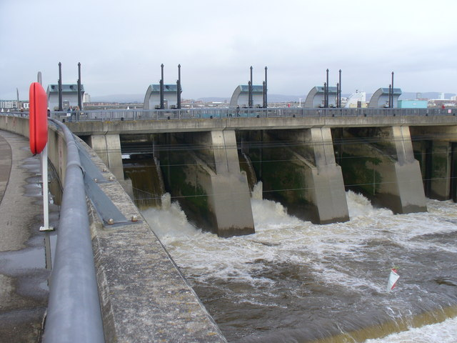 Cardiff Bay Barrage, Sluice Gates