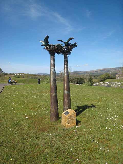 Birds nest sculptures
