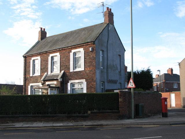 The (former) School House, Bede Burn Road / Dillon Street