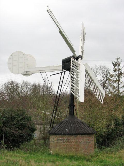 Hollow post windpump in Starston