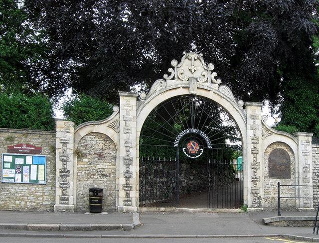 Millennium Gateway, Raunds, Northants