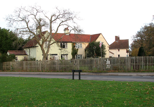 House by the junction of School Road and Green Lane
