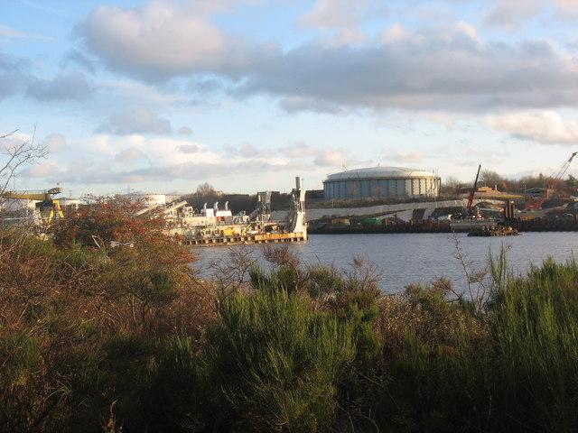 Cutter dredger Vesalius on the Tyne