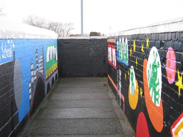Mural on Sheffield Road / Green Lanes footbridge