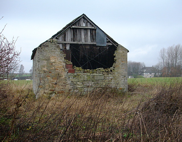 Decrepit barn at Stainton Grove