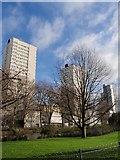 TQ2574 : High-rise flats, Wandsworth by Derek Harper