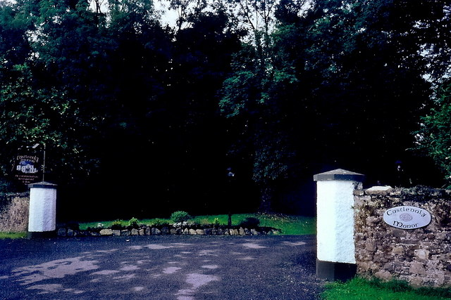 Castledaly Manor - Entrance from R444