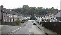 ST2896 : Meadowbrook Avenue, Pontnewydd, Cwmbran by Jaggery
