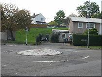ST2896 : Ty Pwca / Ty Trappa / Five Locks mini-roundabout, Cwmbran by Jaggery