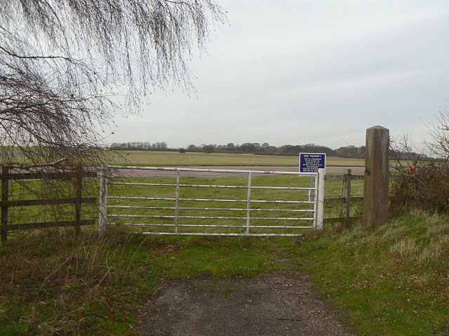 The end of Longhedge Lane