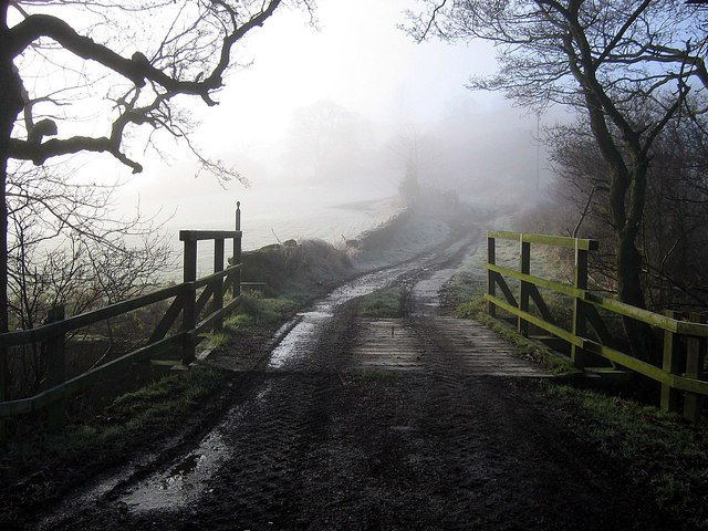 Farm track towards Trennet