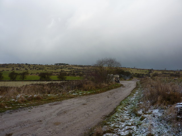 A track leading to Bonsallmoor Lane