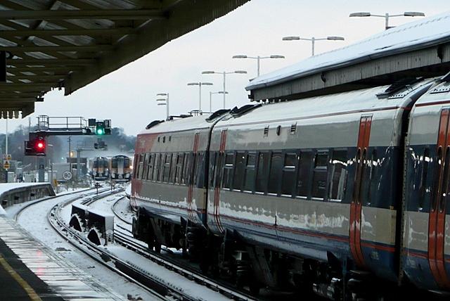 Basingstoke station platform 2