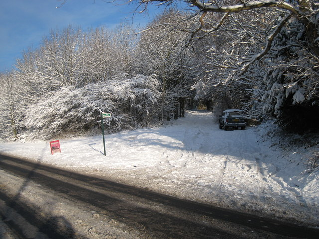 Snow-bound footpath from the A171 near Swan's Corner