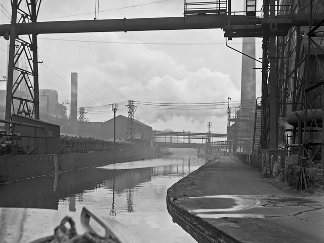 Shelton steelworks by canal, 1961 (a)