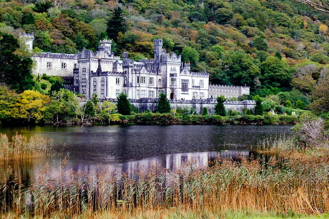 Connemara - Kylemore Lough and Abbey