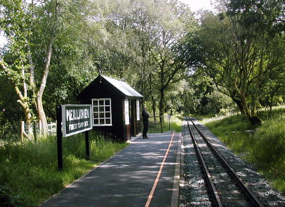 Meillionen station platform.