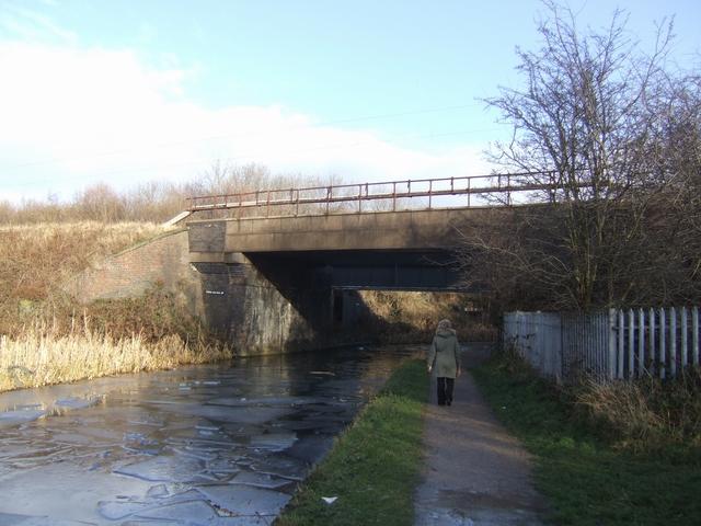 Birmingham Main Line Canal - Spring Vale Rail Bridge