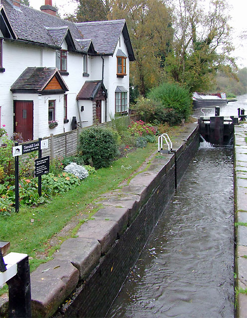 Tatenhill Lock and cottages near Branston, Staffordshire