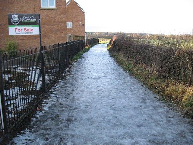 Icy path off Gathurst Road